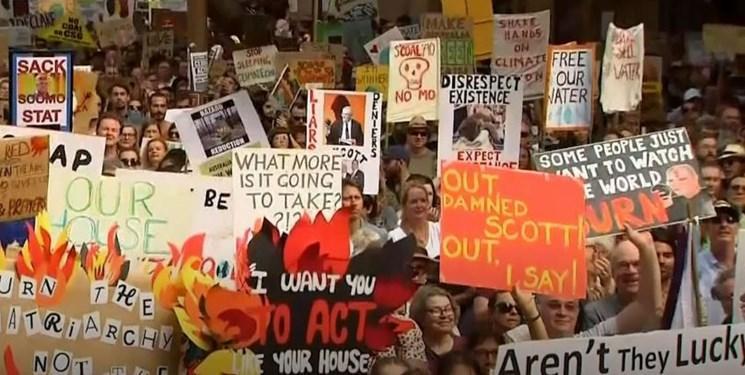تظاهرات ضددولتی در استرالیا، ادامه تخلیه مناطقی گسترده با ادامه آتش سوزی های مهیب