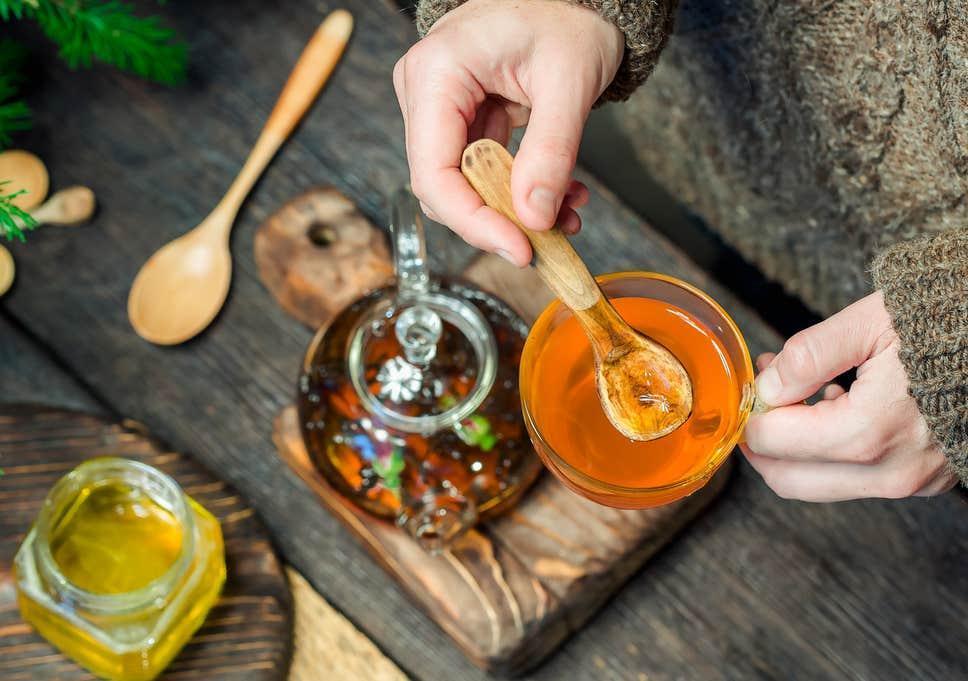 عسل در زمستان: بدنی سالم، پوستی درخشاناندر فواید عسل در فصول سرد سال