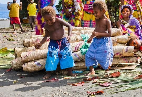 چرا وانواتو کشور شادی است؟ (
