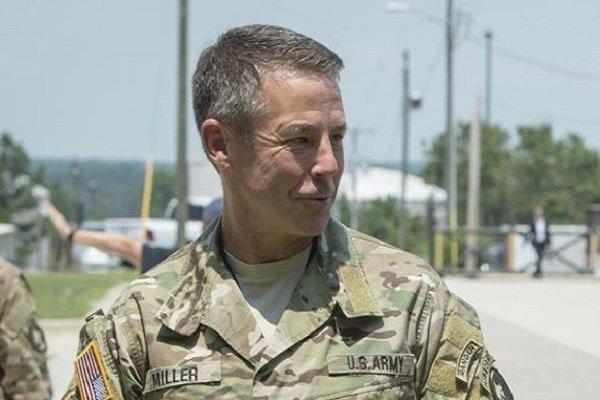 ملاقات فرمانده آمریکایی ناتو با هیئت نمایندگی طالبان