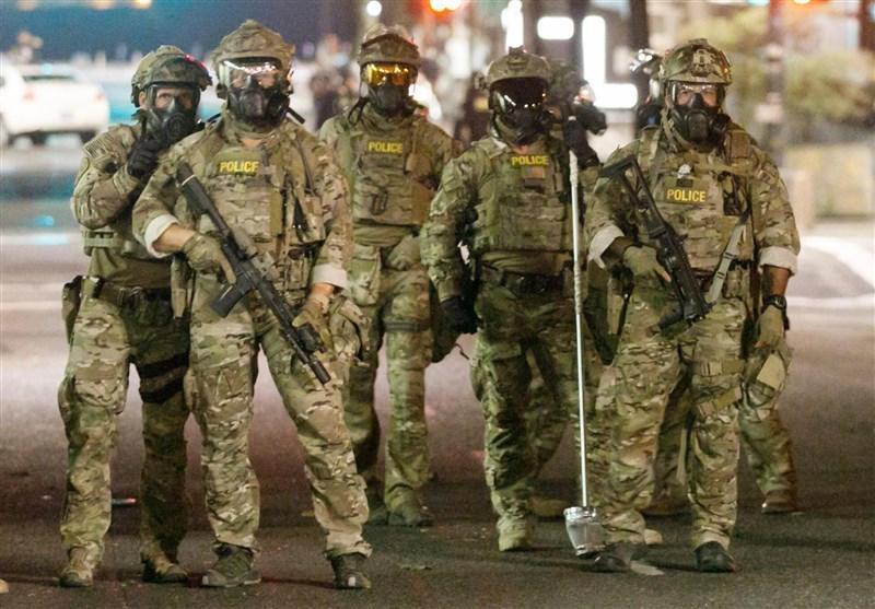 ماموران مسلح فدرال آمریکا اجازه حضور در حوزه های رأی گیری را دارند