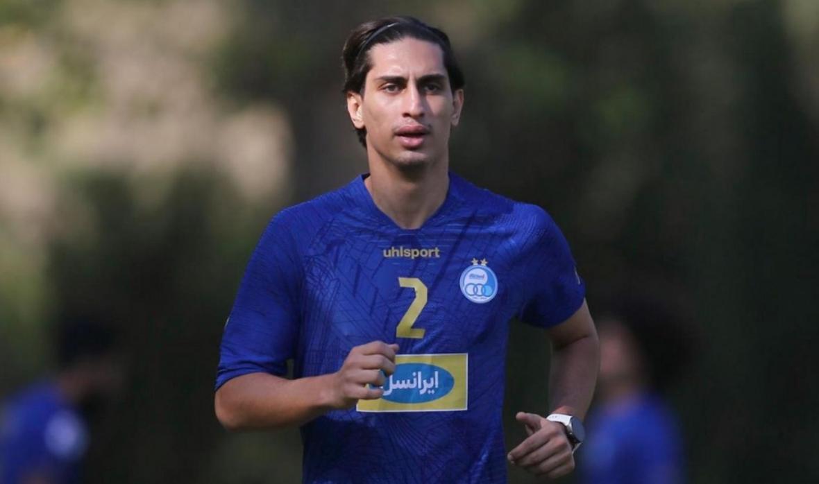 محمد نادری هنوز با باشگاه استقلال قرارداد امضا نکرده؛ از شایعه پرداخت نشدن پیش قرارداد تا صادر نشدن رضایت نامه