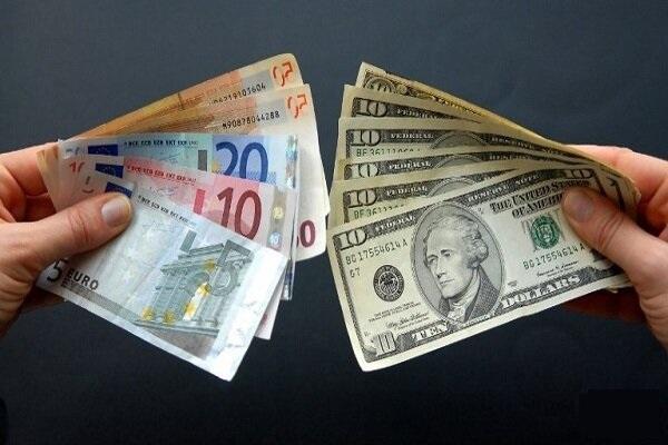 قیمت دلار 6 بهمن 1399 به 22 هزار و 700 تومان رسید