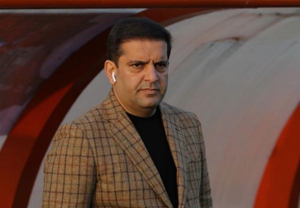 سیف الله پور: اخبار را غلط به سرمربی استقلال رساندند، آقای فکری! 250 میلیون تومان را پس می دادی!