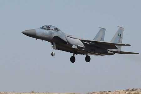 حمله جنگنده های ائتلاف سعودی به فرودگاه صنعا