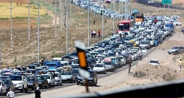 ترافیک سنگین در محورهای چالوس، هراز و فشم و آزادراه کرج-تهران