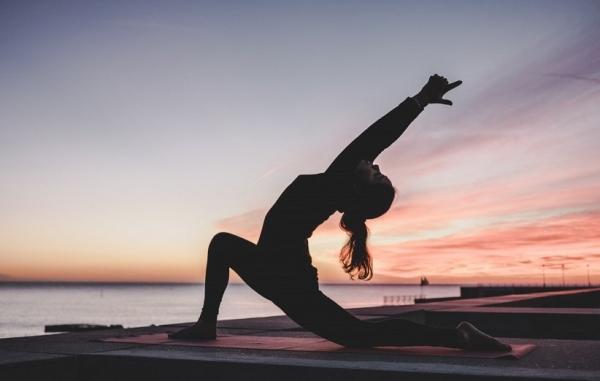 یوگا چه تأثیری روی شما می گذارد و چگونه مغزتان را دگرگون می نماید؟
